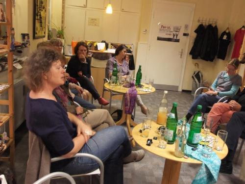 2015 0921 Sambia Abend im Laden 0004